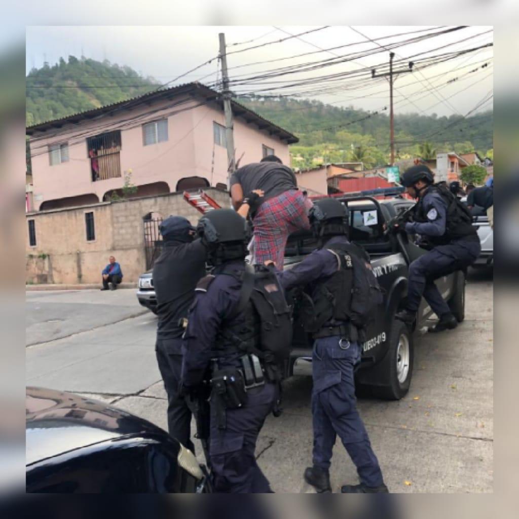 DPI captura a once sospechosos de asesinar aficionados en las afueras del Nacional