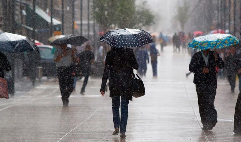 Lluvias y actividad eléctrica por ingreso de frente frío al país