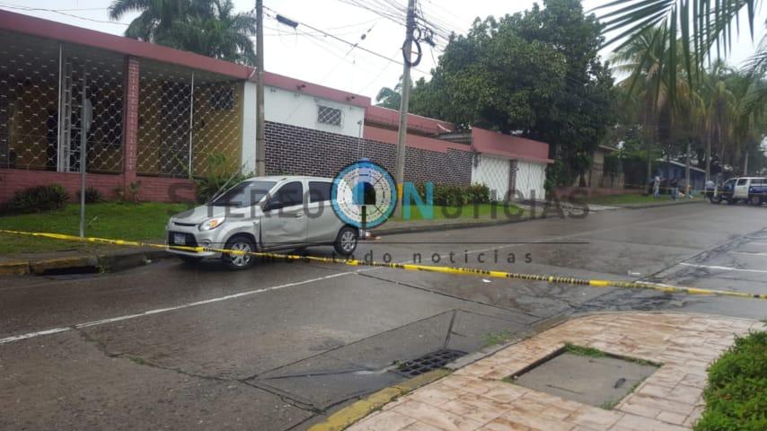 Un muerto y dos heridos deja balacera en bulevar Circunvalación de SPS