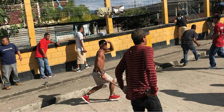 Ante anuncio de traslado, reos protagonizan amotinamiento en Támara