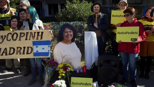 Tribunal dicta 30 y 50 años de prisión contra asesinos de Berta Cáceres