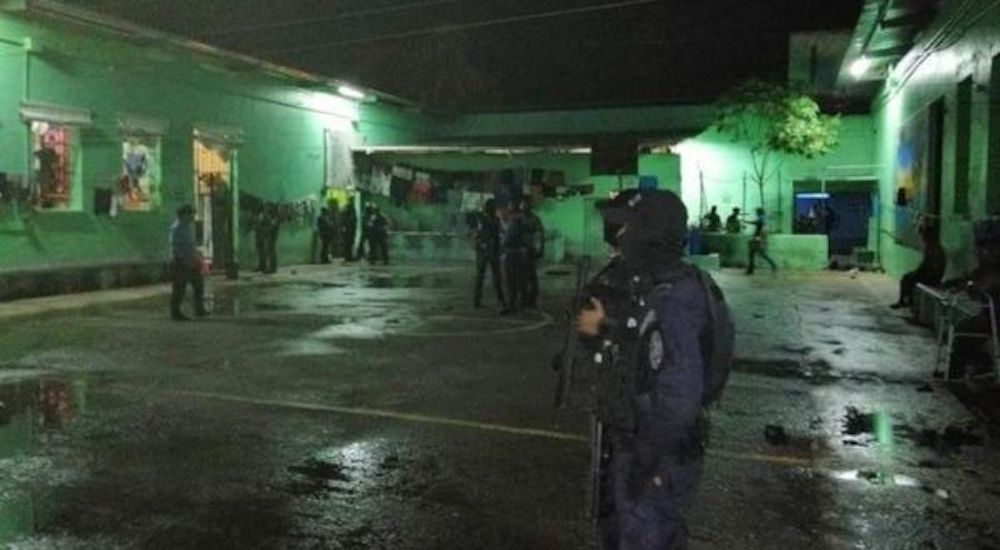 20 reclusos muertos es la nueva cifra tras reyerta en centro penal de Tela