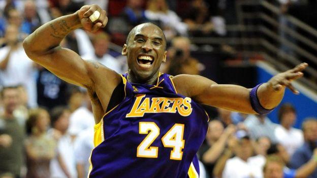 Muere Kobe Bryant, leyenda de la NBA, en trágico accidente aéreo