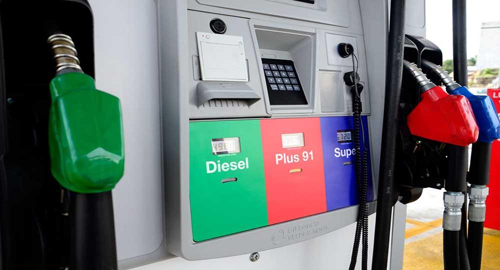 Secretaría de Energía reporta leves rebajas en precio de combustibles
