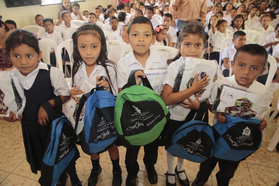 L3 mil millones invertirá Sedis en escolares del sector público