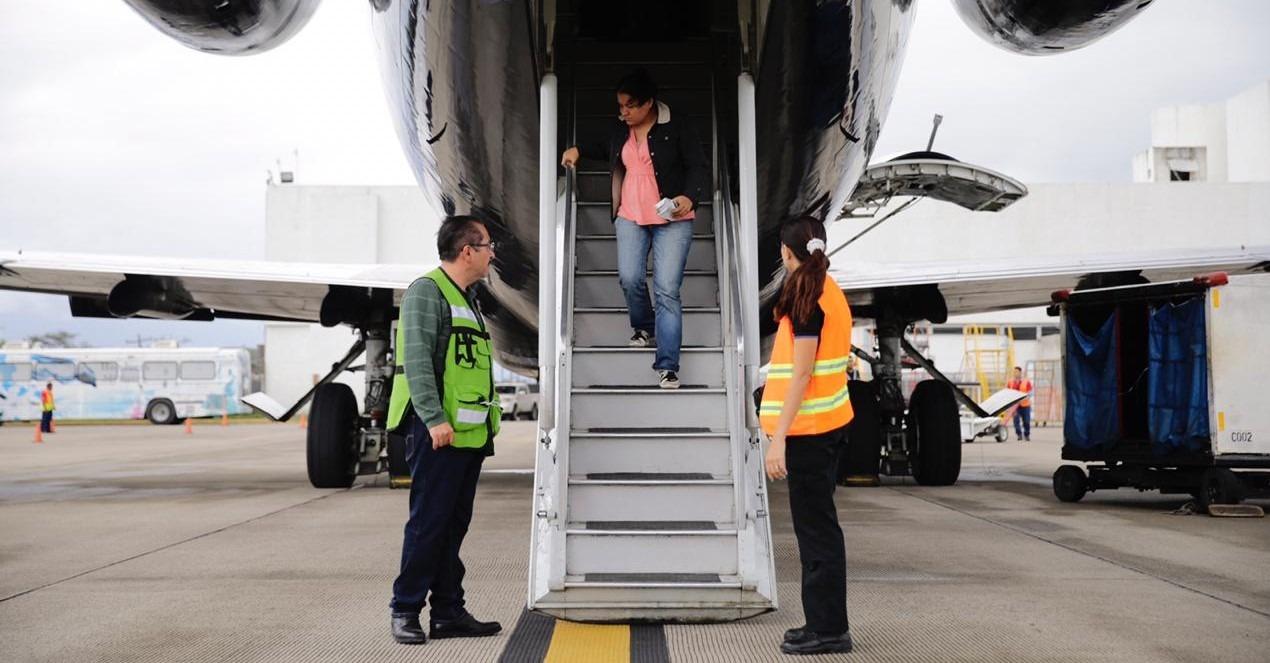 En dos vuelos retornarán a SPS, 240 hondureños desde México