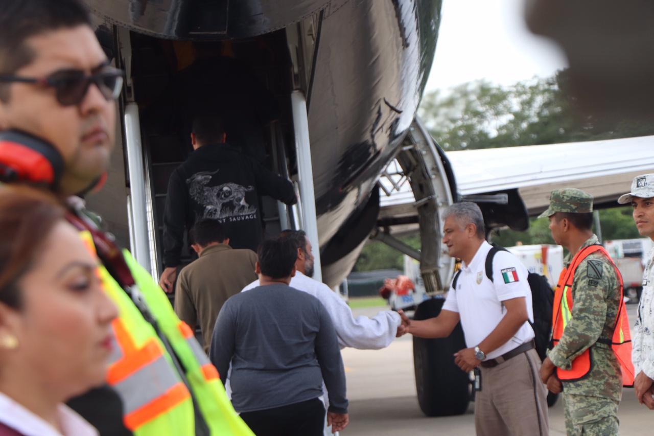 México retorna migrantes que partieron en primera caravana de 2020