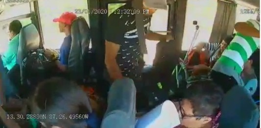 Capturan a uno de tres sujetos que participó en asalto a bus interurbano