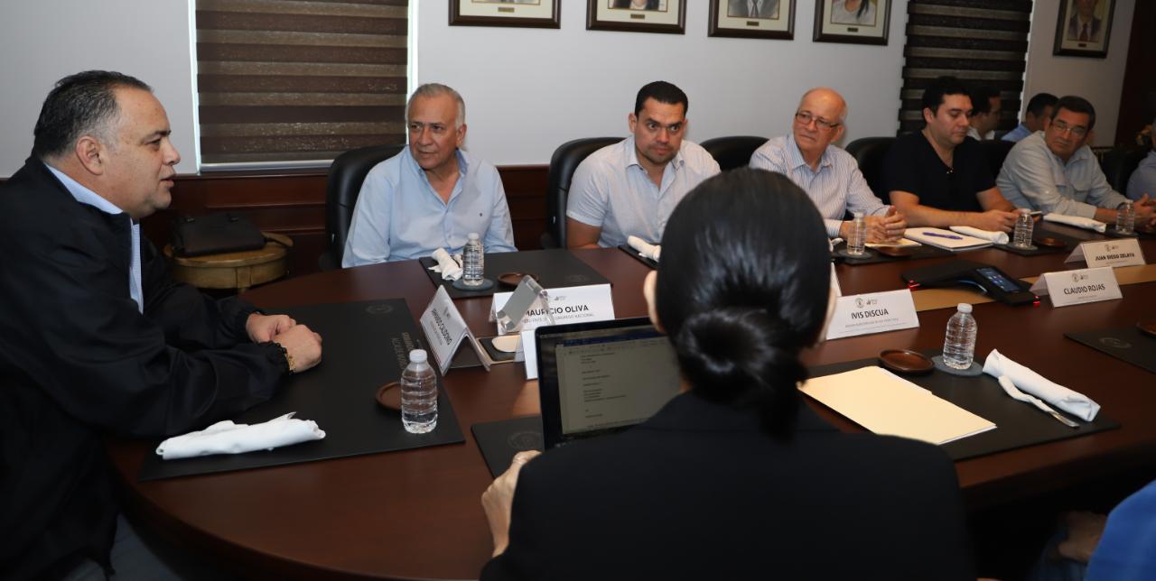 Oliva socializa proyecto de reformas a la Ley de Zonas Libres