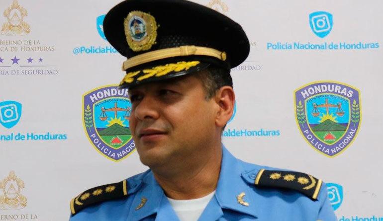 Muere sujeto que tomó de rehén a una policía, confirma Seguridad