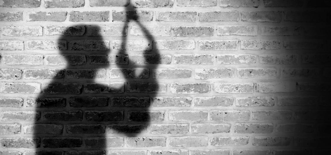 Suicidios aumentan: Tres hombres se ahorcan en diferentes sectores del país