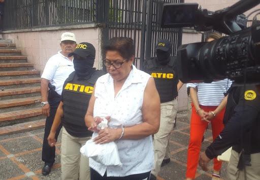 Histórica condena dicta Tribunal contra exfuncionaria de Salud; cometió 139 delitos de fraude