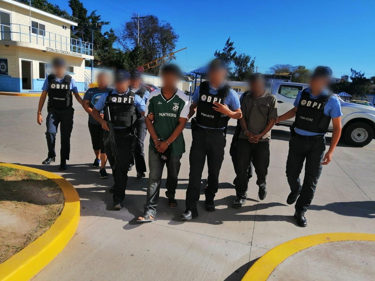 Fin de semana deja más de 100 detenidos por diferentes delitos