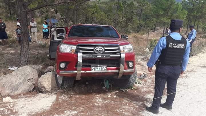Desconocidos asesinan a transportista en Mata de Plátano, Cedros