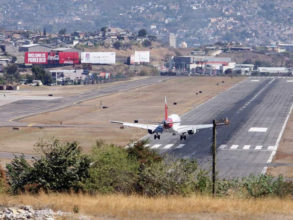 Aeropuertos exigirán prueba Covid-19 negativa para vuelos nacionales e internacionales