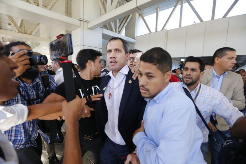 Líder opositor Juan Guaidó regresa a Venezuela tras gira internacional