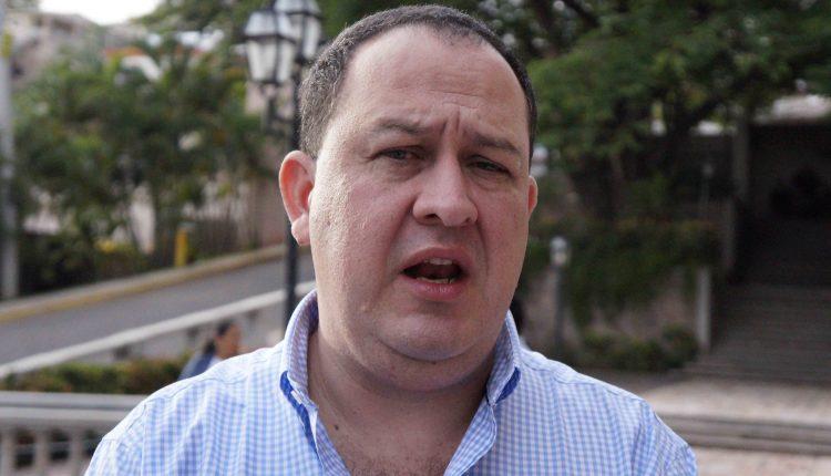 Gustavo Boquín asume la presidencia de la Chico