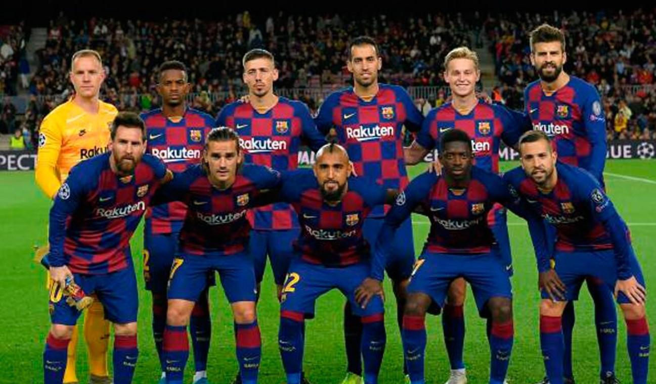 Barcelona anuncia reducción de salarios a sus futbolistas