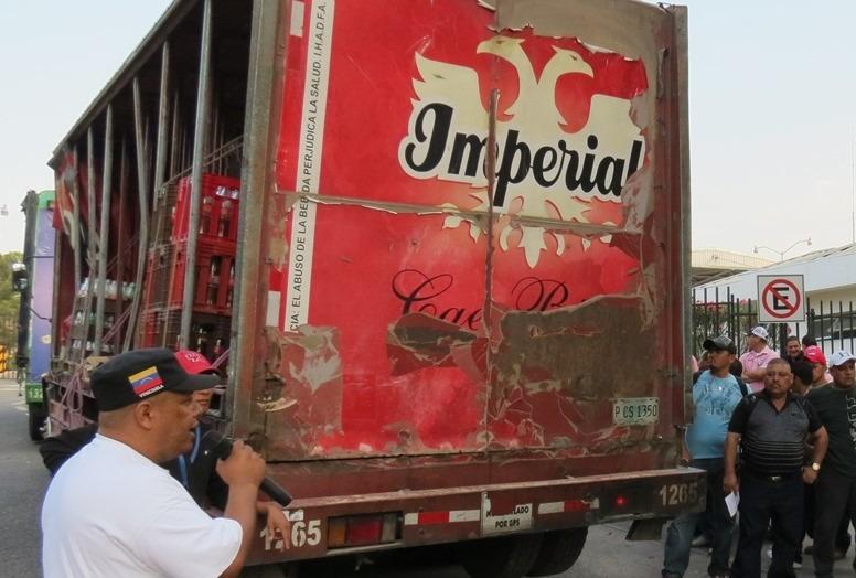 Detienen carros repartidores de bebidas en la capital