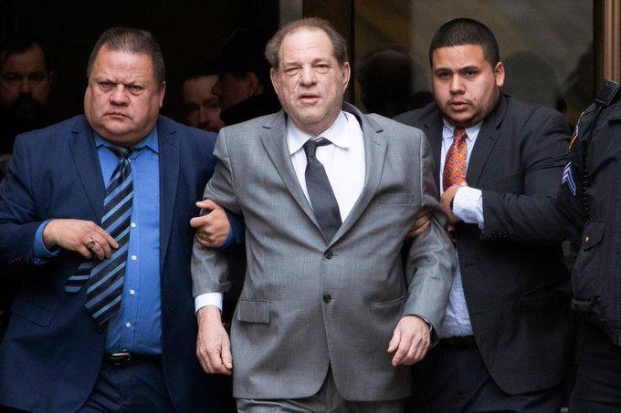 Harvey Weinstein condenado a 23 años de prisión por violación y acto sexual criminal