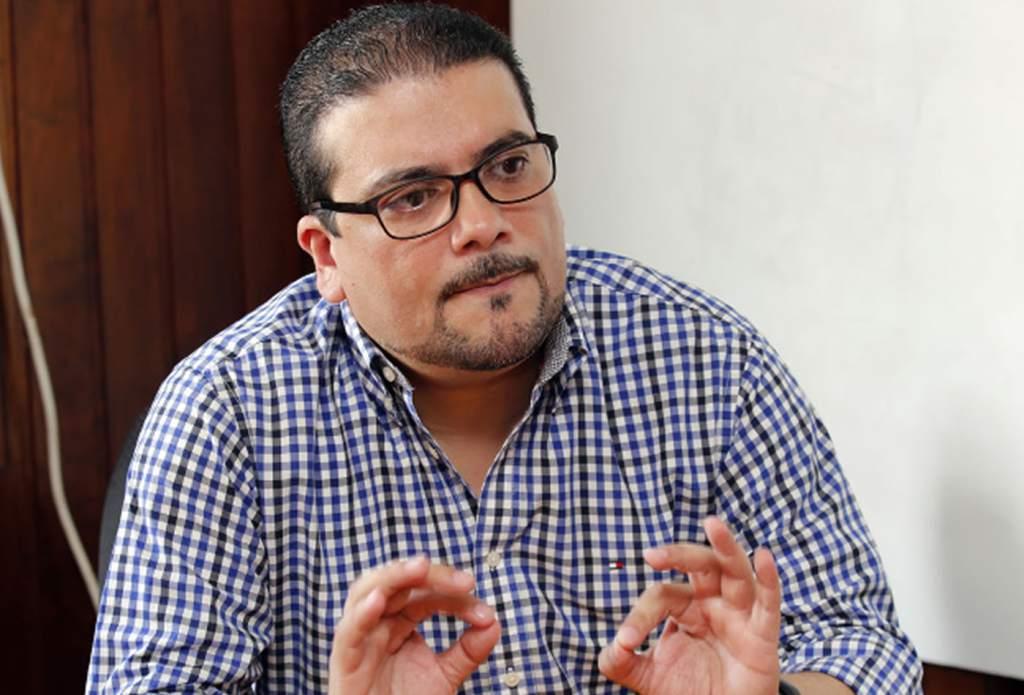 """Francis Contreras: """"Hoy llega primer lote de 140 ventiladores mecánicos"""""""