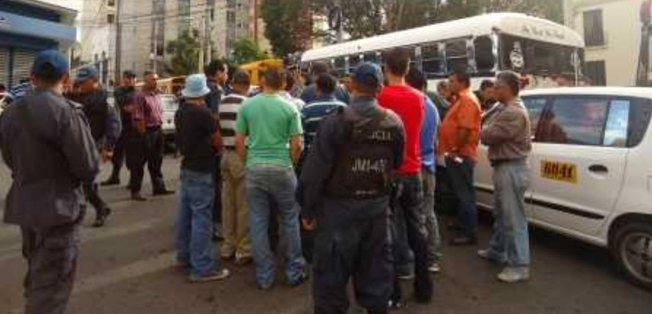 Paro de taxis: Inician desalojos en el centro de Tegucigalpa