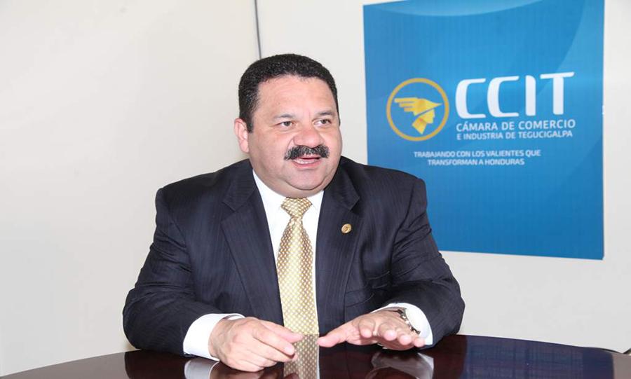 Rafael Medina: «Decrecimiento económico es generalizado en el país»