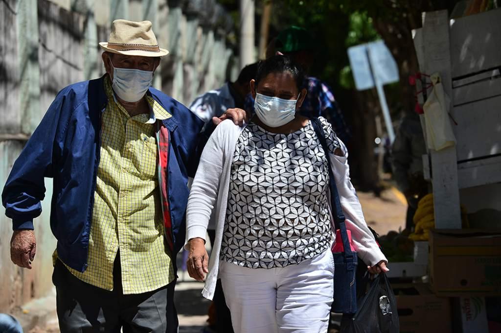 Hondureños si podrán utilizar mascarillas caseras, adicionales a las entregadas por el gobierno