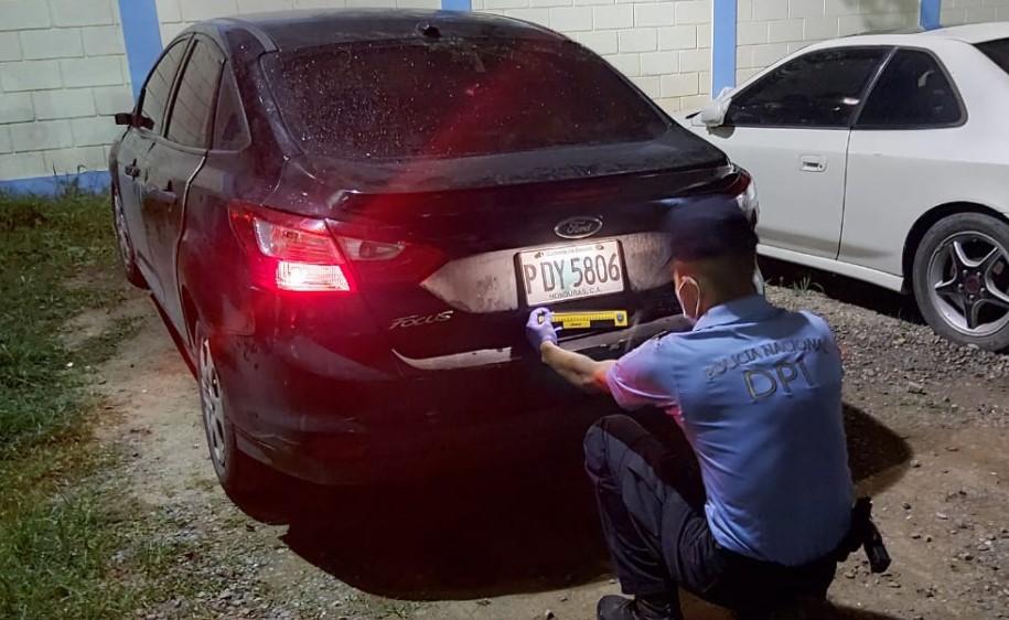 Detienen a hombre con arma de fuego ilegal y un automotor con reporte de robo