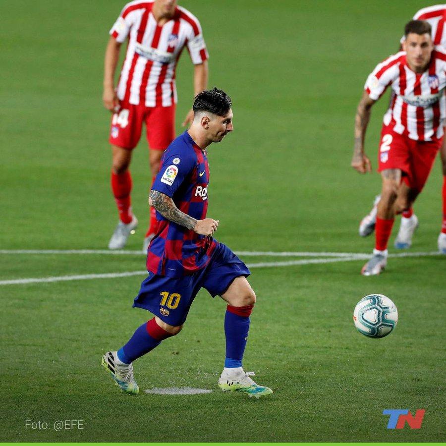 A lo Panenka: Messi llega a su gol 700 de su carrera