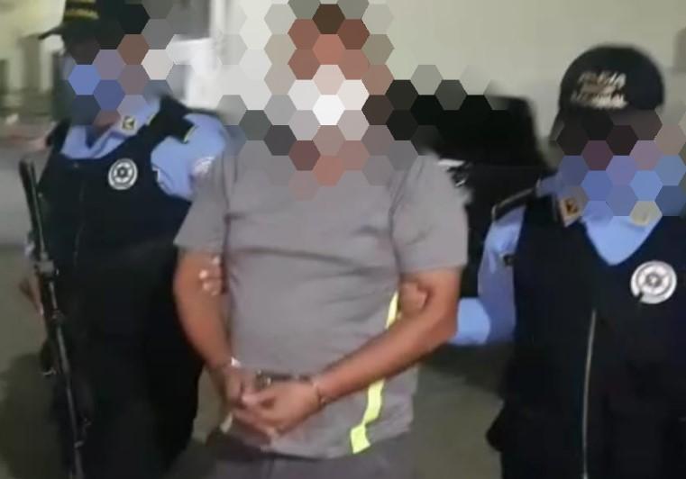SPS: Arrestan a ciudadano en poder de salvoconducto falso