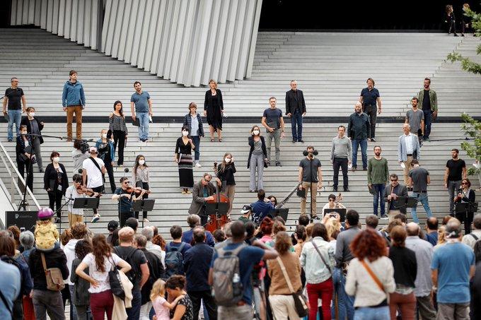Fiestas ilegales en todo Europa despiertan temores sobre el aumento de casos de COVID-19