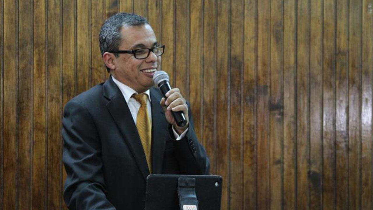 Ex presidente del Colegio de Economistas asegura que «Eta» vino a agravar los problemas económicos y sociales