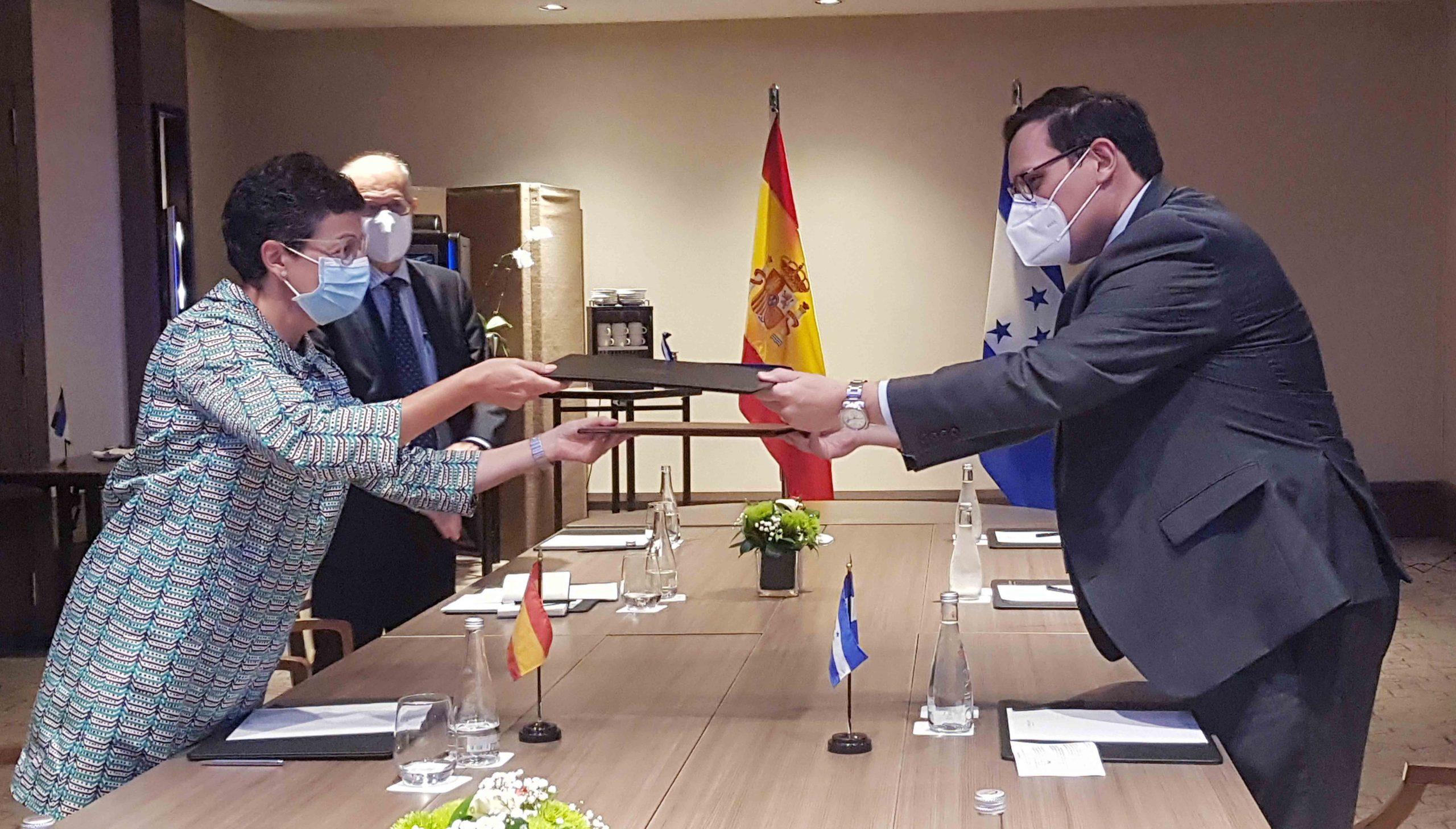 Honduras consolida relaciones diplomáticas con España y República Dominicana