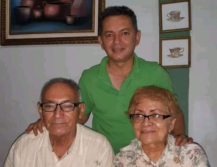 Muere madre del diputado Francisco Paz, sin saber que su esposo e hijo también murieron por Covid-19