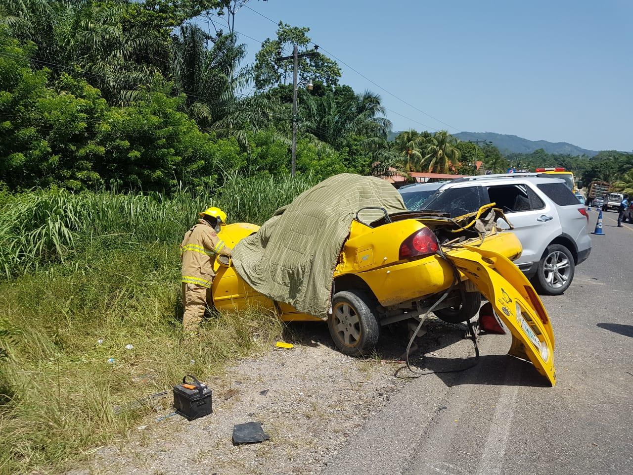 ¡TRÁGICO! Cinco personas muertas y tres heridos en accidente vehicular en Atlántida