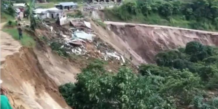 ¡TERRIBLE! Varias casas, cuarterías y cultivos fueron destruidos por derrumbe en Comayagua