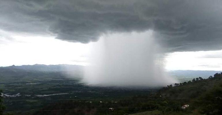 Tres sistemas de baja presión amenazan en convertirse en depresión tropical