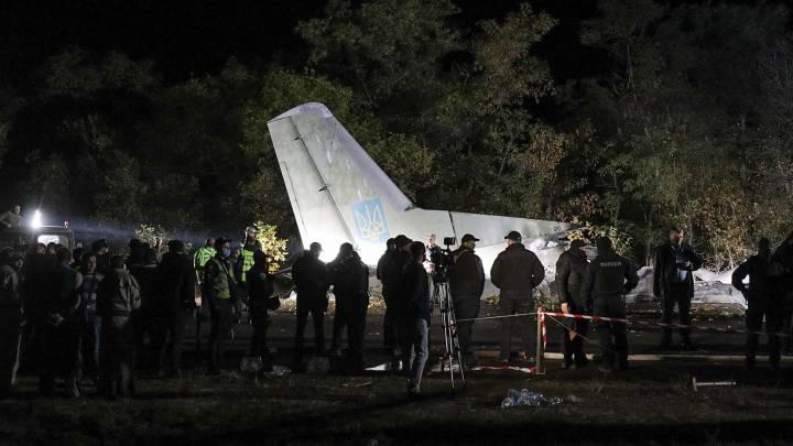 Accidente de avión militar en Ucrania que deja 26 muertos