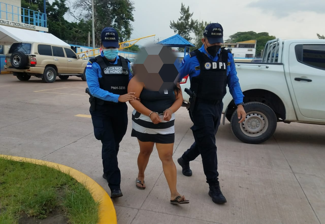 Fémina es arrestada por ser considerada una de las mayores distribuidoras de droga en el sector de Tatumbla
