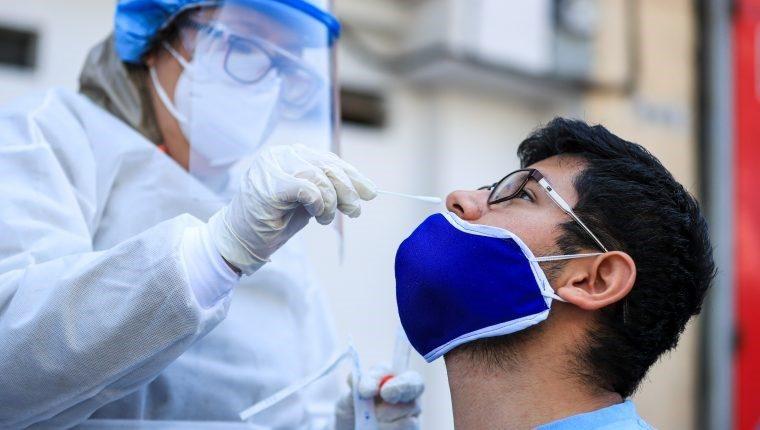 Carlos Aguilar: Hay que seguir apostándole al diagnóstico de casos de COVID-19