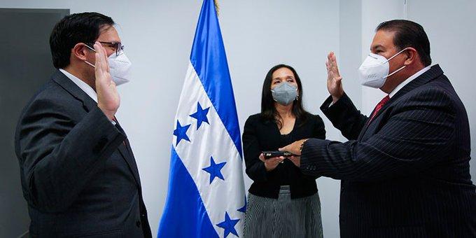 Juramentan a Luis Suazo como nuevo embajador de Honduras en EEUU