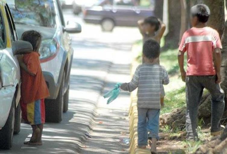 DINAF y Casa Alianza realizan convenio para buscar bajar índices de niños en mendicidad