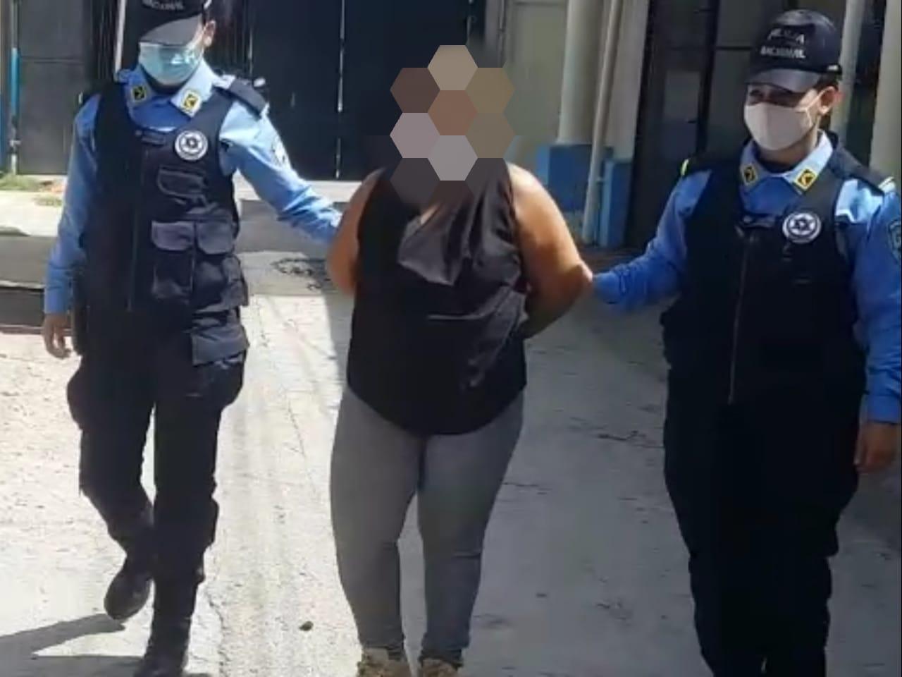 SPS: Mujer es capturada por el supuesto ilícito de lavado de activos