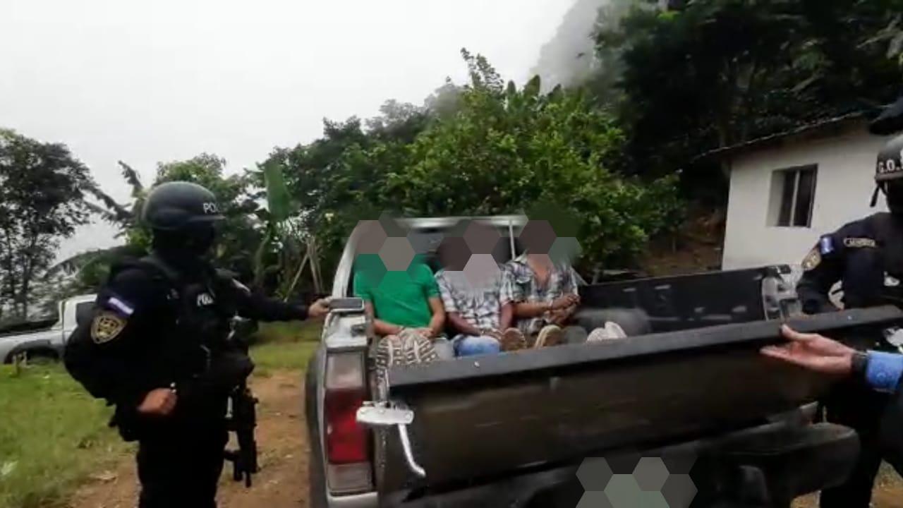Detienen a 3 integrantes de «Los Guevara» por el asesinato de un salvadoreño en Comayagua