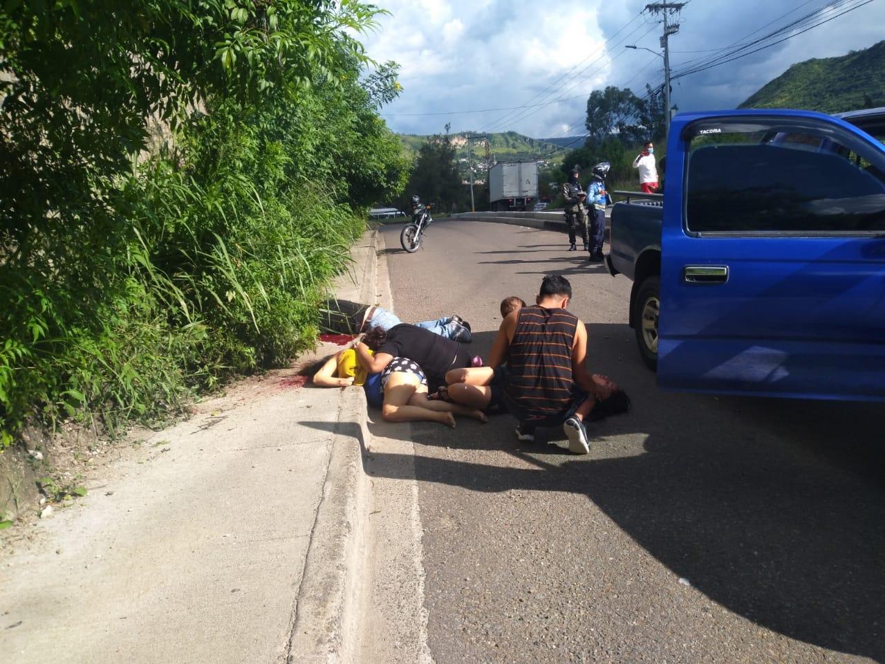 De varios impactos de bala asesinan a dos personas en el Anillo Periférico de la capital