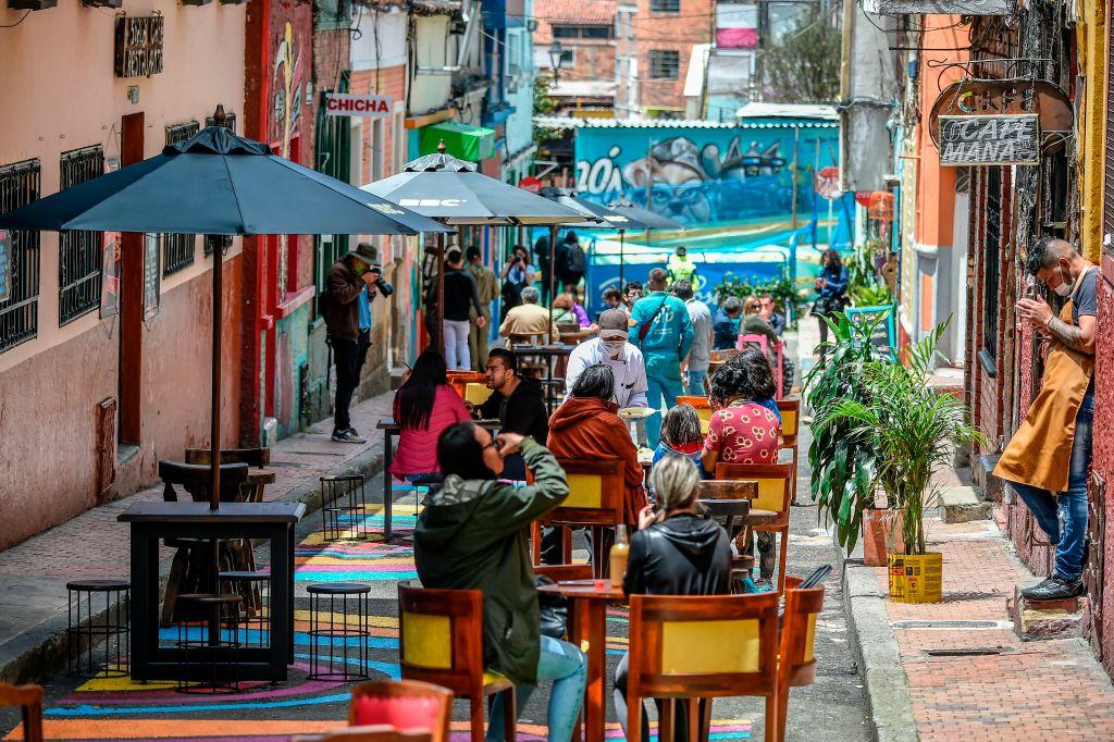 Colombia establece protocolo para el consumo de bebidas alcohólicas en restaurantes y bares