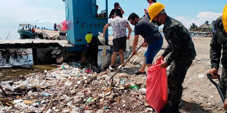 Alcalde de Omoa: «En un mes podría solventarse el problema de desechos  con Guatemala»