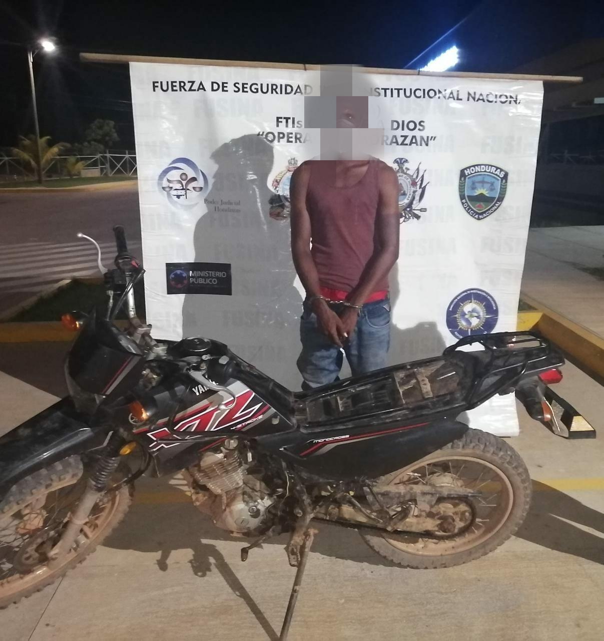 Con motocicleta  con reporte de robo cae sujeto   en Puerto Lempira