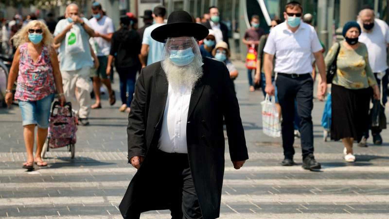Israel anuncia confinamiento social por tres semanas debido a incremento de casos de covid-19